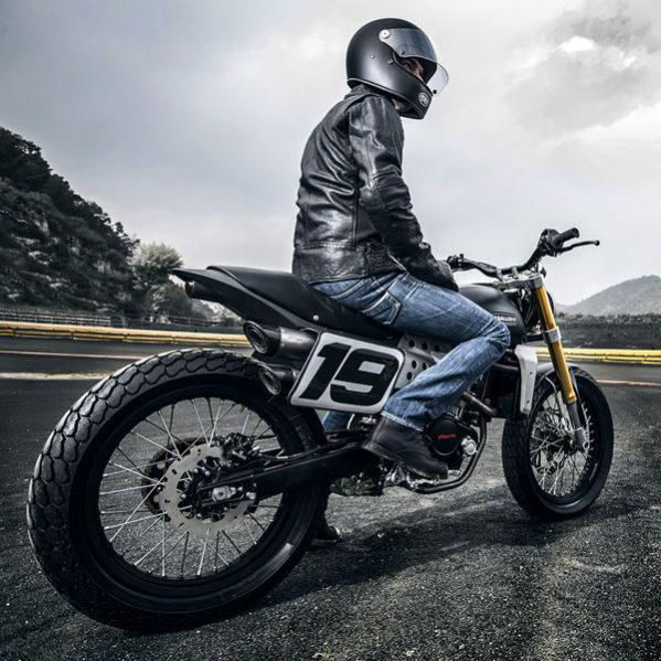 Fantic Caballero - Motos Flat Track vue 3/4