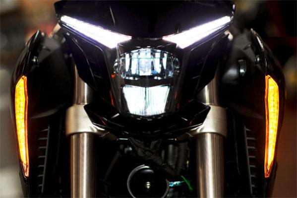 Zontes - motos 310cc, phares