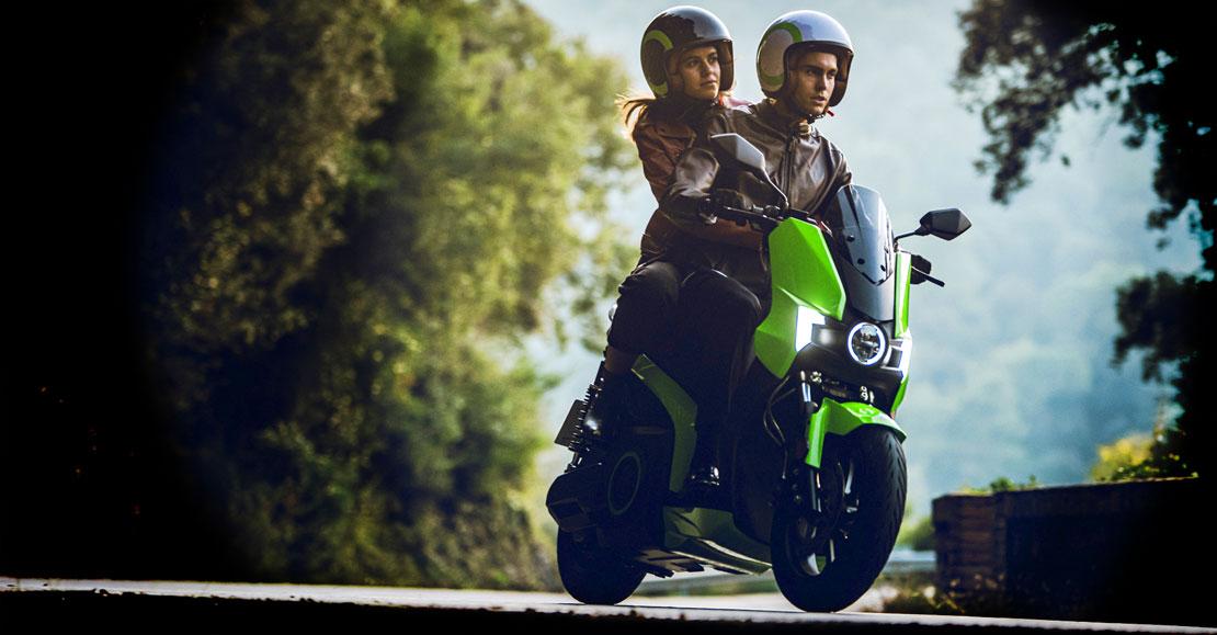 Silence S01 scooter électrique sur route